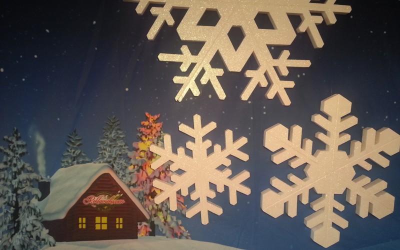 kæmpe store snefnug til juleudsmykning af storcentre